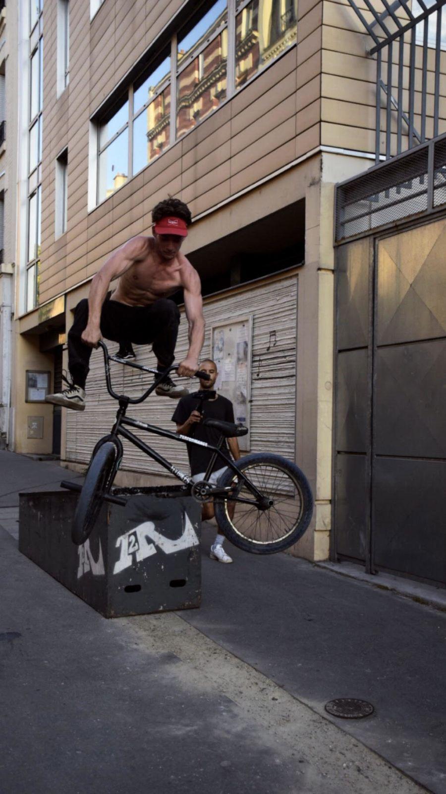 Superbe_media_urbain_paris_lifestyle_france_performance_bmx-17