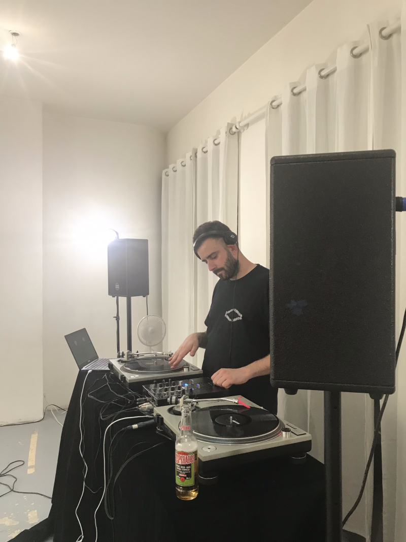 urbain_lifestyle_paris_france_scripture_001_streetwear_release_party_b4-dj-kevber